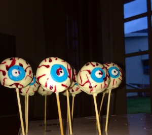 Zombie Eyeball Cake Pops